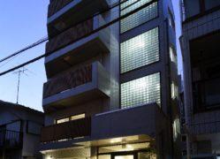 アンティークなフローリングと可動収納で自由な間取りの賃貸マンション